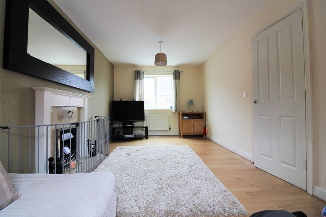 Thumbnail Town house for sale in Tameside Close, Willenhall