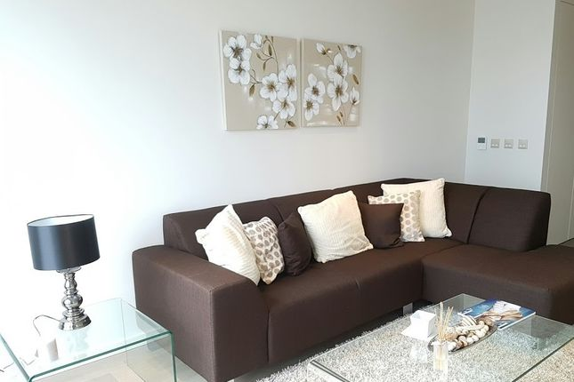Thumbnail Flat to rent in Appt 1106, Upper Ground, Southbank Towers