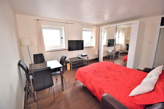 Thumbnail Room to rent in Gillfoot, Hampstead Road, London