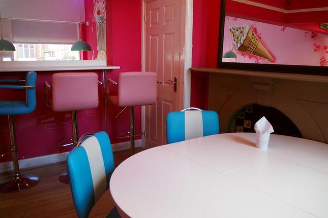 Photo 2 of Cafe & Sandwich Bars M41, Urmston, Lancashire