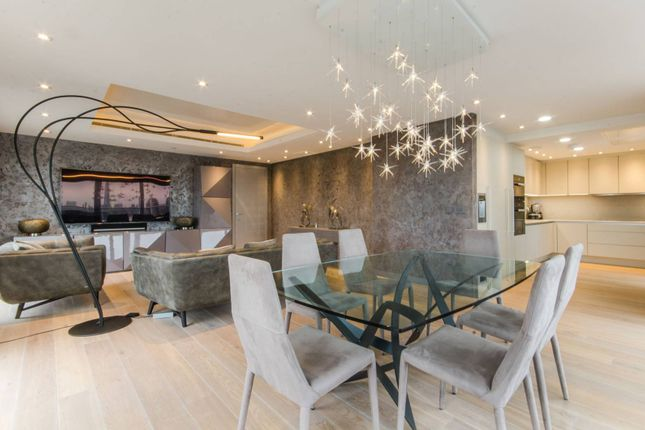 Thumbnail Flat for sale in Cobblestone Square, Wapping