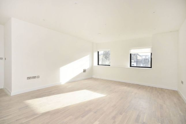 Thumbnail Flat for sale in Tufnell Park Road, Tufnell Park
