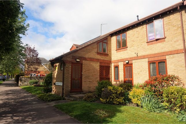 Thumbnail Flat for sale in Berkeley Court, Stamford