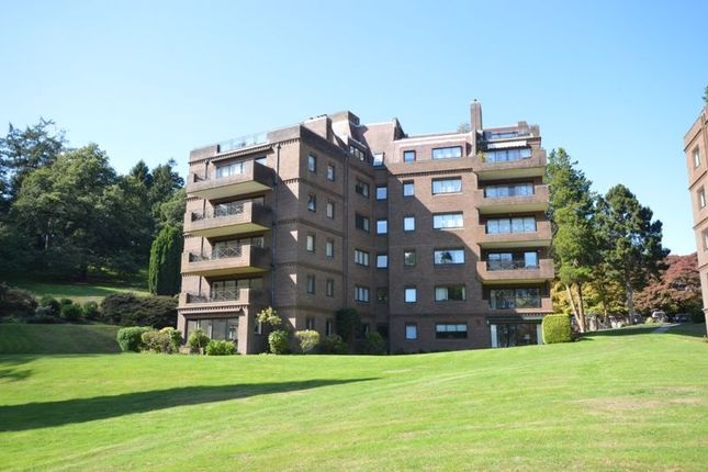 Thumbnail Flat to rent in Oak Lodge, Lythe Hill Park, Haslemere