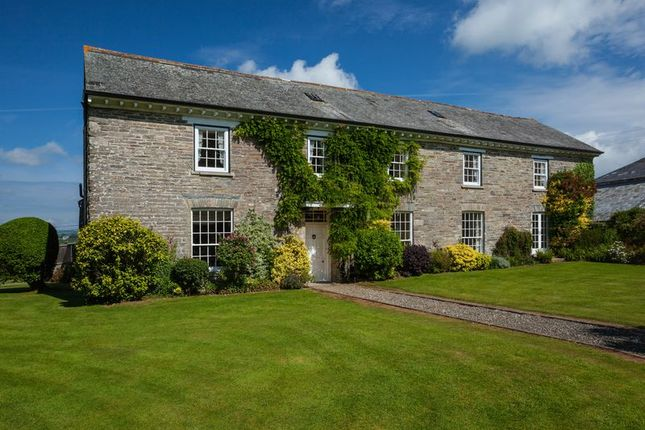 Thumbnail Farmhouse for sale in Horningtops, Liskeard