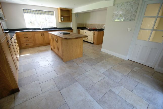 5 bed detached house to rent in Forest Lane, Upper Chute, Andover