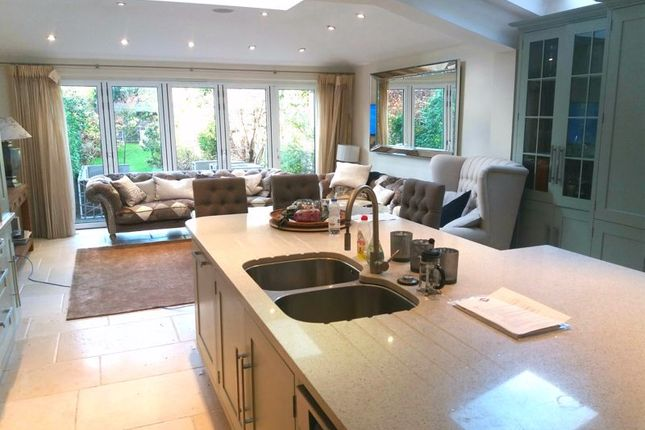 Thumbnail Property to rent in Palewell Park, London