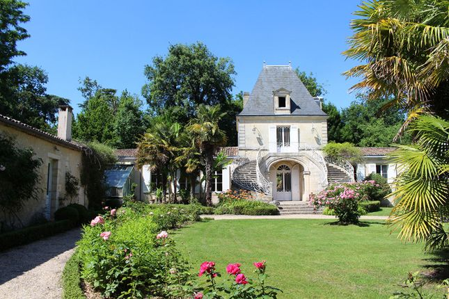 Thumbnail Property for sale in 33000, Bordeaux, France