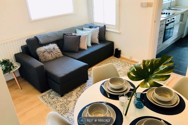Thumbnail Flat to rent in Priory Road, Cambridge