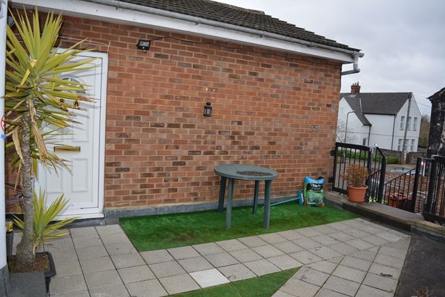 Thumbnail Flat to rent in Ford End Road, Bedford