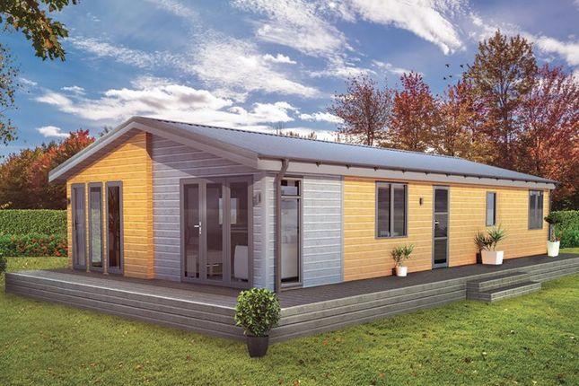 Thumbnail Lodge for sale in Wardleys Lane, Poulton-Le-Fylde, Lancashire