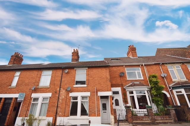 Thumbnail Terraced house to rent in Bath Road, Kettering