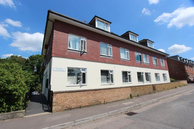 2 bed flat to rent in Canning Street, Maidstone ME14