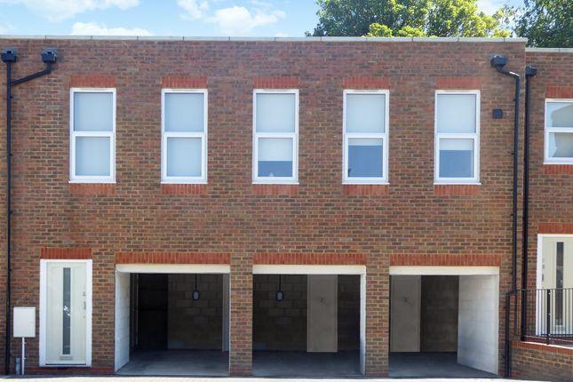 Thumbnail Flat to rent in Crown Mews, Regent Street, Dunstable