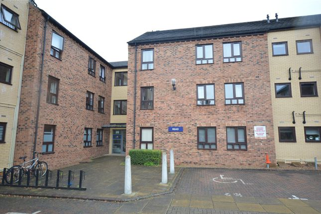 Picture No. 08 of Apartment 11, Read, Woodlands Village, Wakefield, West Yorkshire WF1