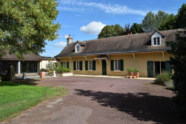 Country house for sale in Mansigne, Sarthe, Loire, France