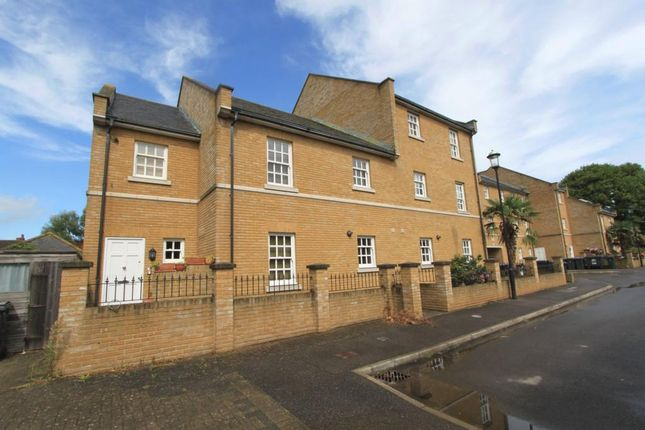 2 bed flat for sale in Coventry, Walmer