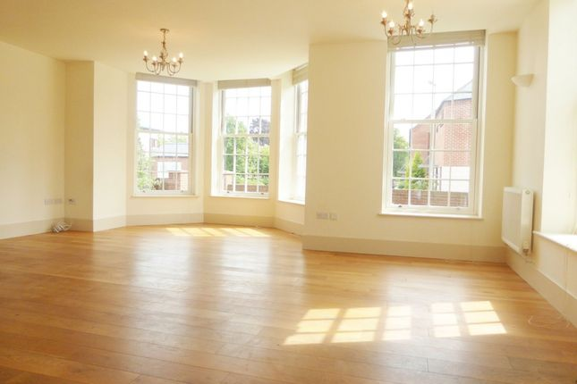 4 bed end terrace house to rent in Watertower Way, Basingstoke