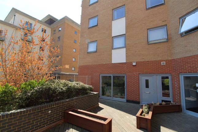 Thumbnail Flat for sale in Keel Point, Ship Wharf, Colchester