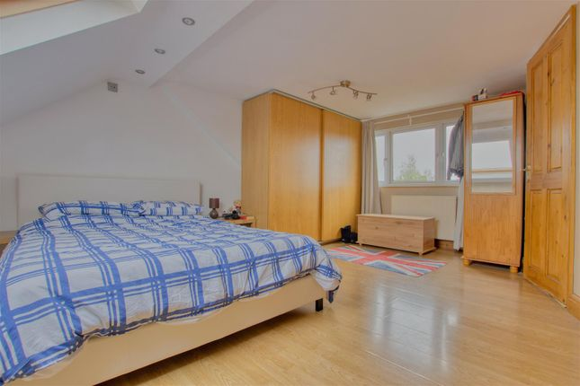Master Bedroom of Rossington Avenue, Borehamwood WD6