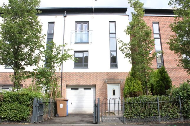 Thumbnail Town house to rent in Alban Street, Salford