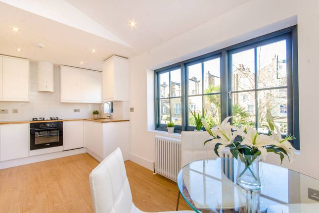 Thumbnail Flat for sale in Holloway, Holloway