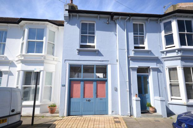 Thumbnail Flat to rent in Westbourne Place, Hove
