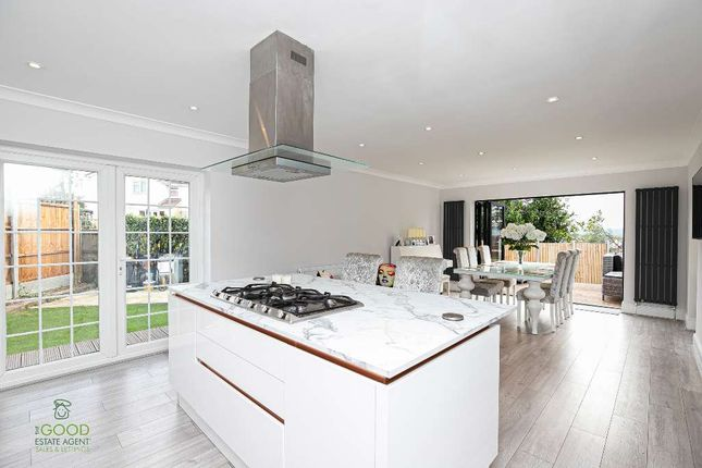 Thumbnail Semi-detached house for sale in Greenfields, Loughton