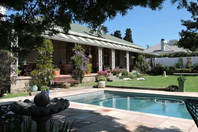 Thumbnail Detached house for sale in 37 Oatlands Rd, Grahamstown, 6139, South Africa