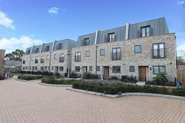Thumbnail Terraced house to rent in Mews Close, Harrow