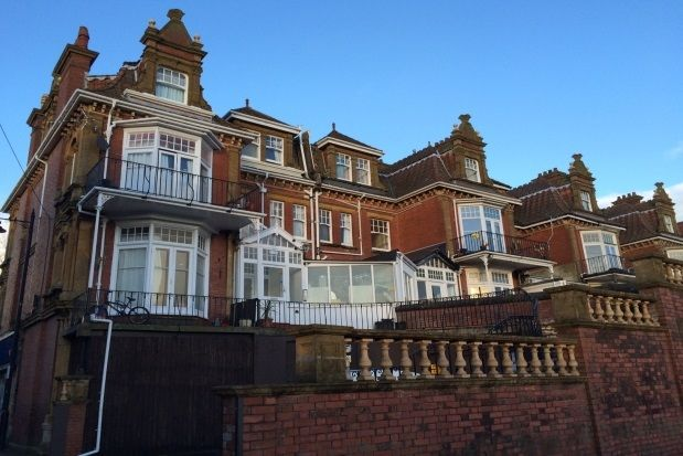 Thumbnail Flat to rent in Queens Park Road, Paignton