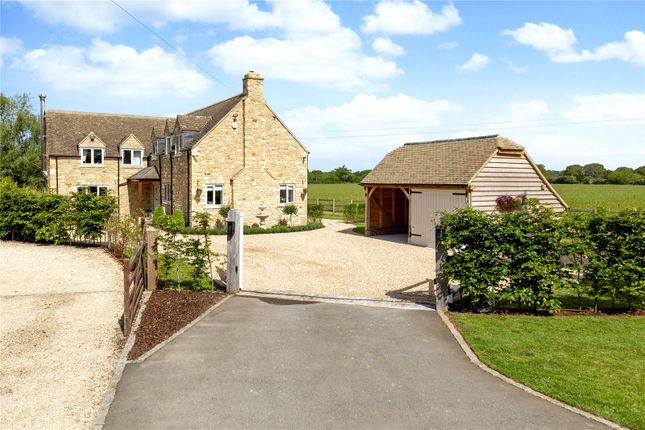 Peewit Lodge of Barton-On-The-Heath, Moreton-In-Marsh, Gloucestershire GL56