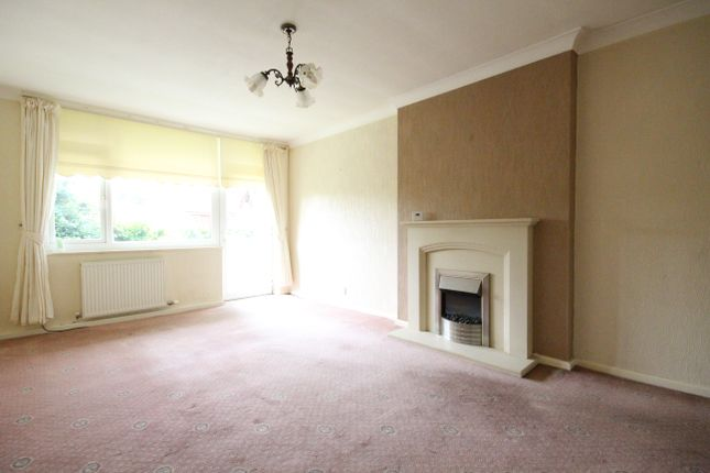 Thumbnail Flat to rent in Westmorland Close, Penwortham, Preston