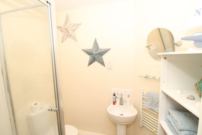 En-Suite of Old Harbour Court, 10 Wincolmlee, Hull, East Yorkshire HU2