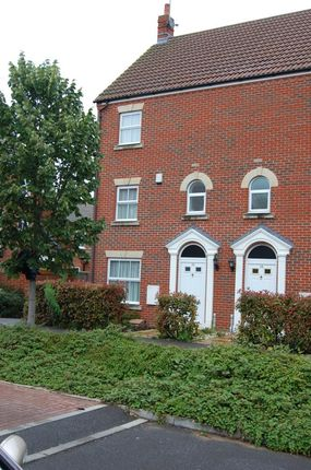 Thumbnail End terrace house to rent in James Meadow, Slough