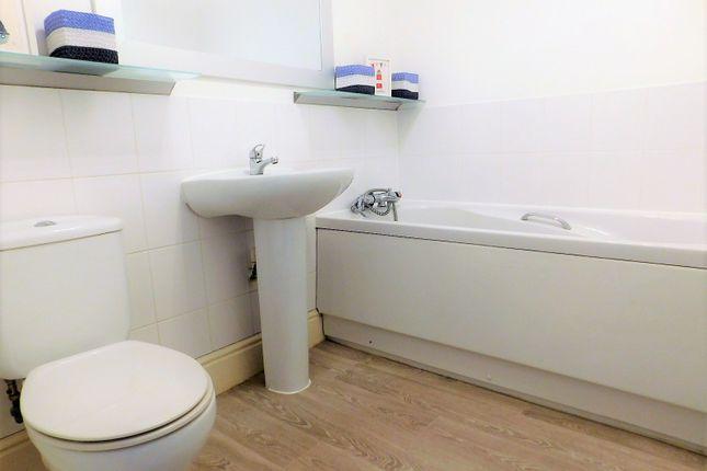 Family Bathroom of Palmerston Way, Fairfield, Hitchin SG5
