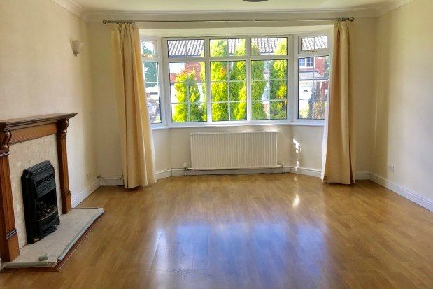 3 bed property to rent in Fountains Road, Bramhall, Stockport SK7