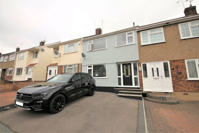 4 bed terraced house to rent in Passingham Avenue, Billericay CM11