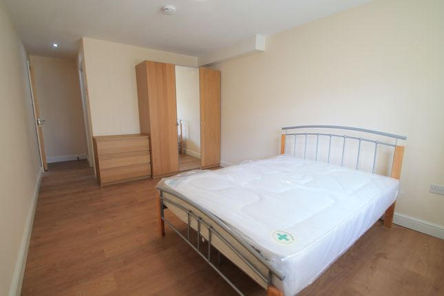 Flat to rent in Richmond Road, Cardiff
