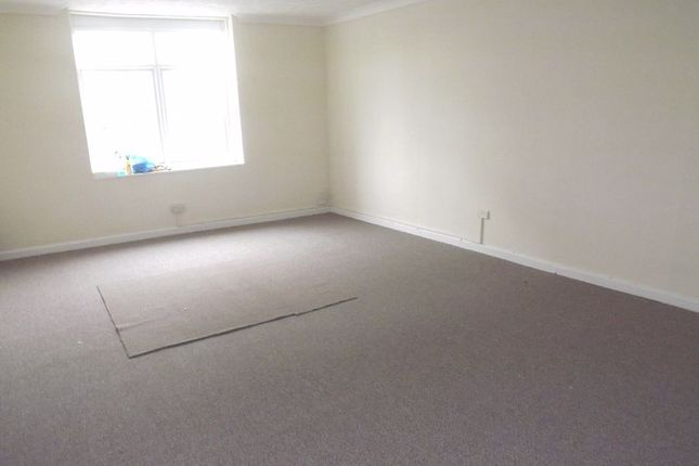 Flat to rent in London Road, North End, Portsmouth