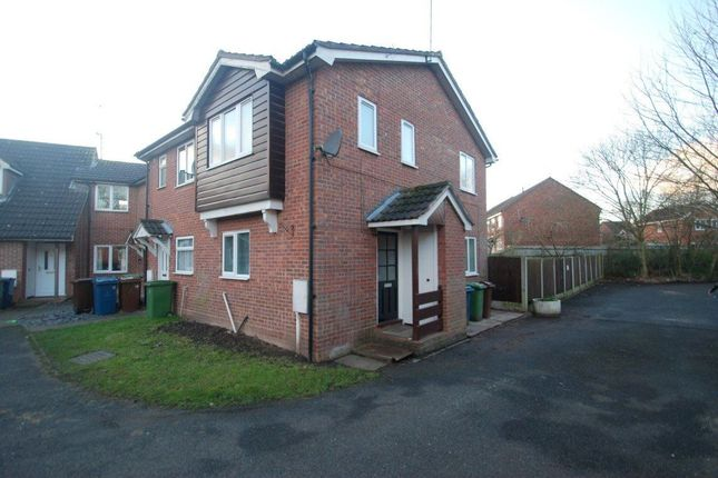 2 bed property to rent in Beaconside Close, Stafford