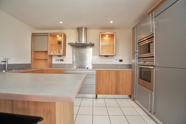 Kitchen of Luscinia View, Napier Road, Reading, Berkshire RG1