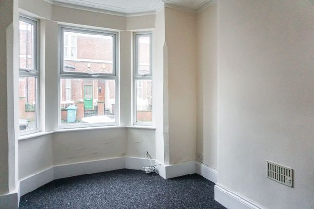 Living Area of Claypole Road, Forest Fields NG7