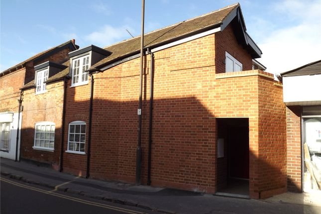 Thumbnail Flat to rent in Station Road, Marlow, Buckinghamshire