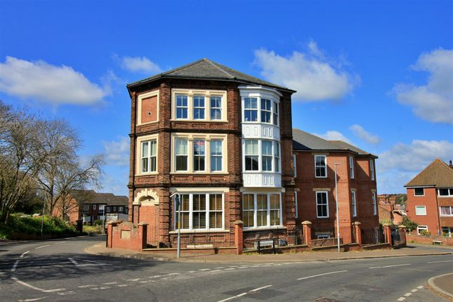 2 bed flat for sale in Mill Road, Cromer NR27