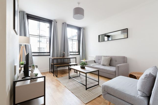 2 bed flat to rent in Old Castle Street, London E1