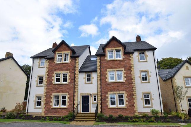 Thumbnail Flat for sale in Elphinstone Crescent, Biggar