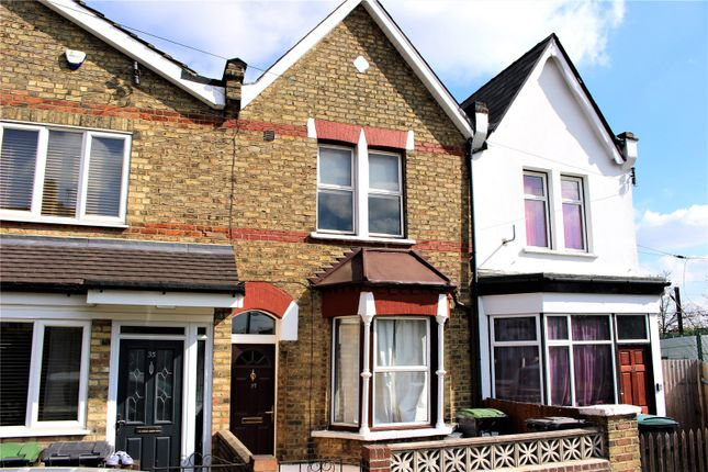 Thumbnail Terraced house to rent in Richmond Road, Bounds Green, London
