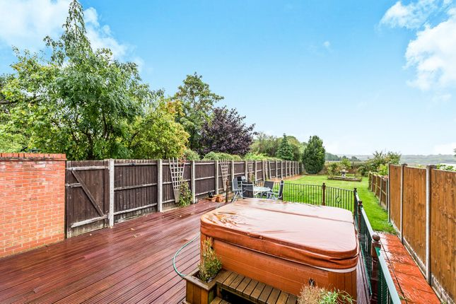 4 bed detached house for sale in Benets Road, Emerson Park Border, Hornchurch