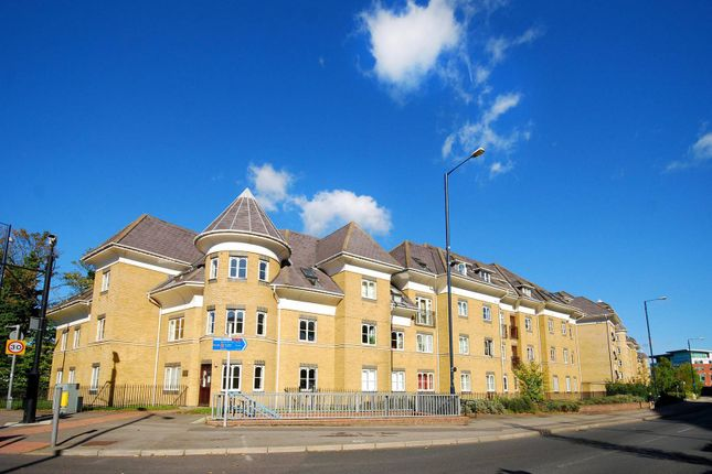 Thumbnail Flat to rent in Century Court, Woking